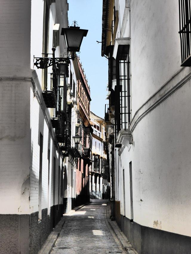 Una calle del Barrio de Santa Cruz a Siviglia