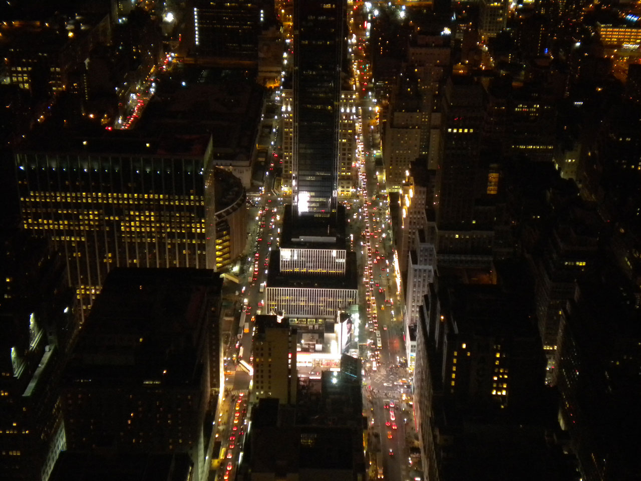 new-york-empire-state-building-by-night