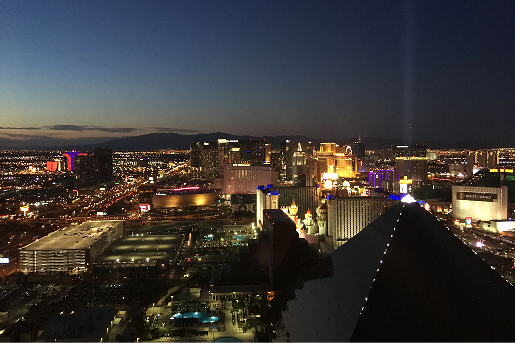 las-vegas-by-night