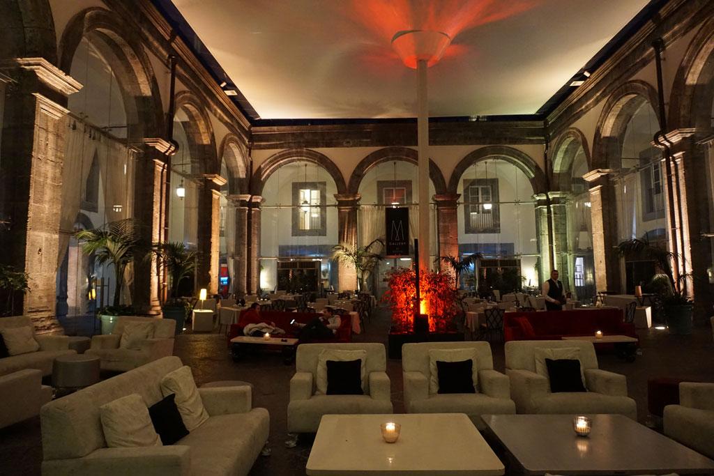 Palazzo Caracciolo Napoli