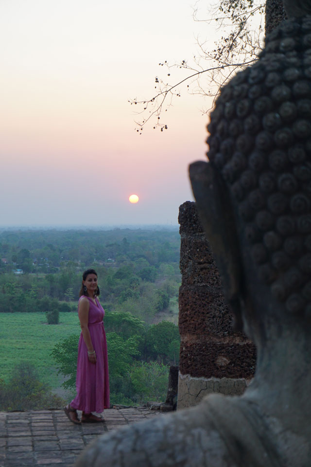 Sukhothai alba Wat Saphan Hin