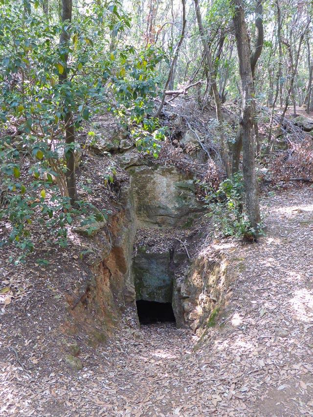 Tombe etrusche Buca delle Fate