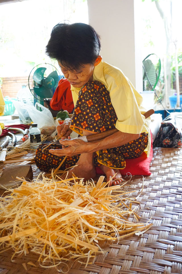 umbrella making center chiang mai