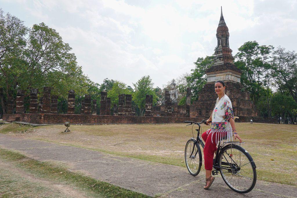 sukhothai in bicicletta