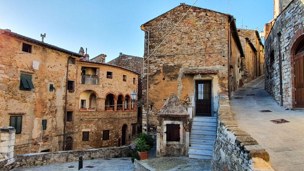 costa degli etruschi borghi medievali