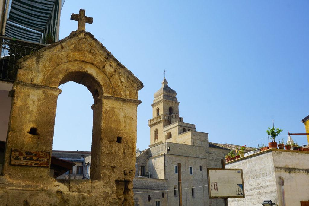 chiesa rupestre san basilio