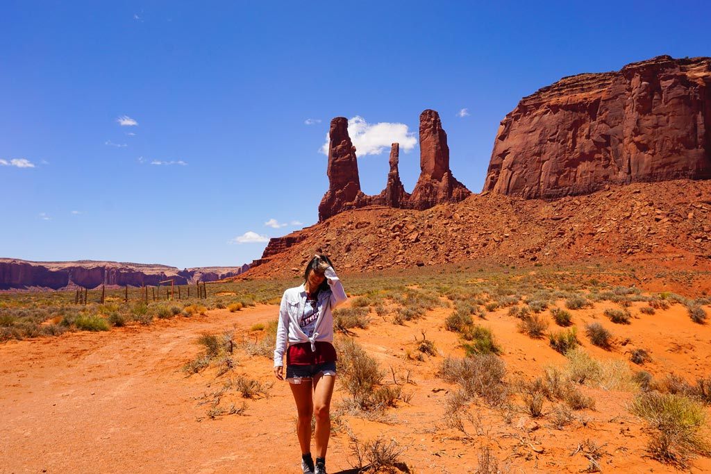 three sisters monument valley
